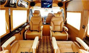 Xe Limousine 9 ghế